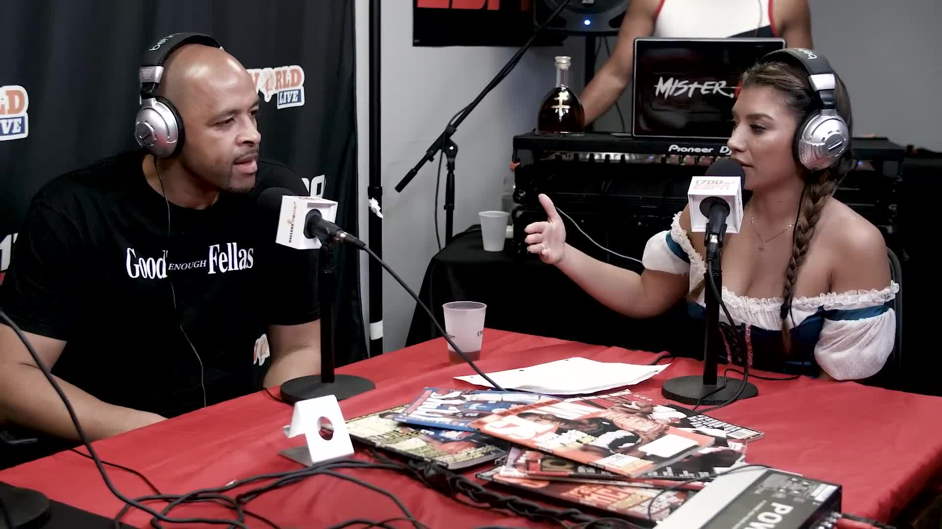 Former Lakers Forward Brian Cook Drops by to Chop It Up